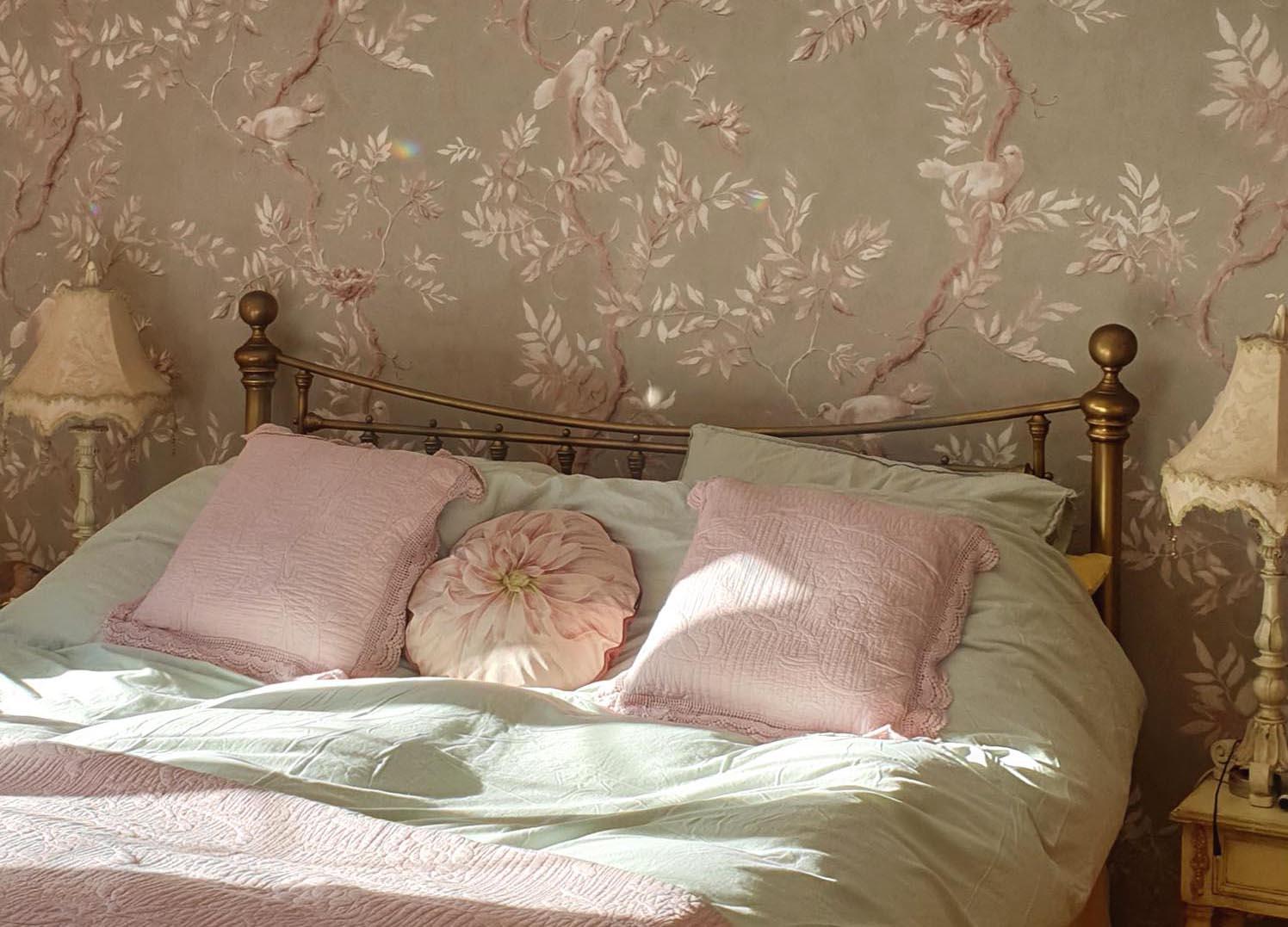 Cách chọn giấy dán tường Hàn Quốc cho phòng ngủ